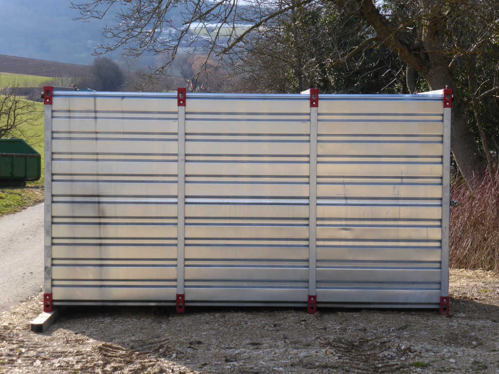 Lagercontainer in Zürich, St.Gallen und Schaffhausen mieten - In diesem Container kann alles gelagert werden - Stammevents.ch